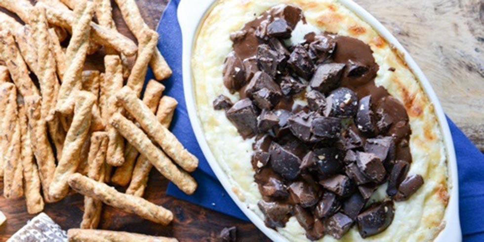 Cheddar Chocolate Truffle Dip