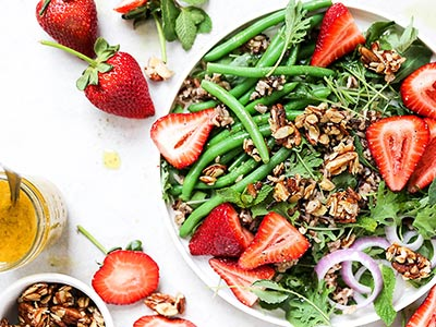 Plant-Based Strawberry Salad with Maple-Nut Clusters